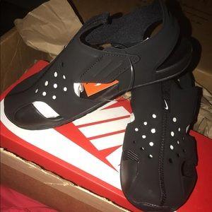 Preschool Nike sandals